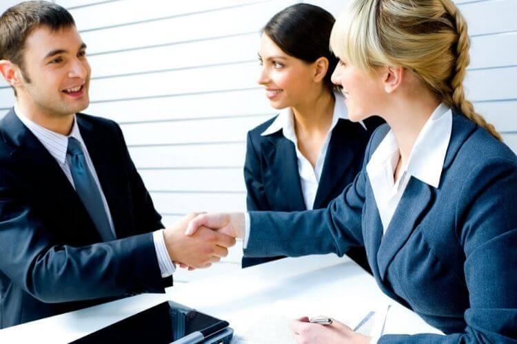 décrire rapidement et clairement  vos produits ou services ; avoir idée d'entreprise claire